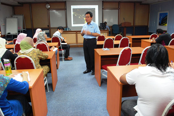 Visiting Professor – Datuk Ismail Ibrahim
