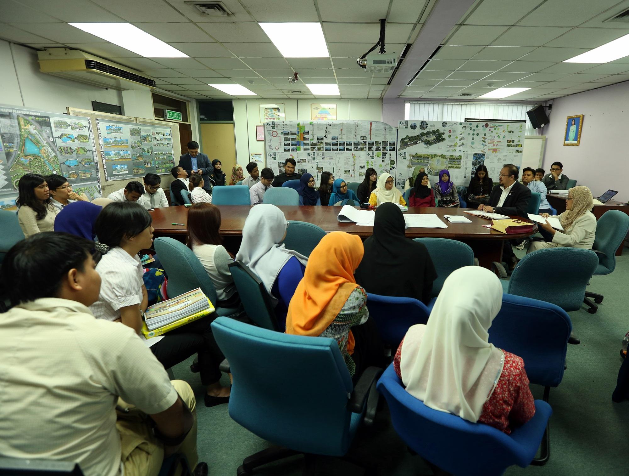 External Examiner Visit (Department of Landscape Architecture) – 25 June 2015