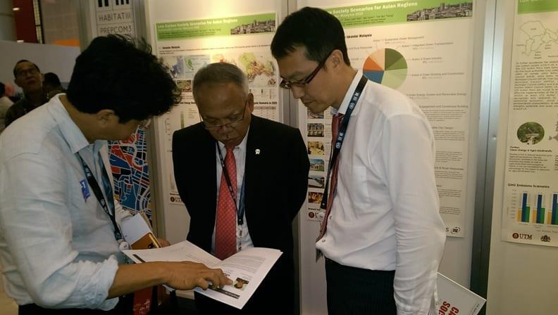 UTM Co-hosted Side Event and Exhibition at Habitat III PrepCom3, Surabaya