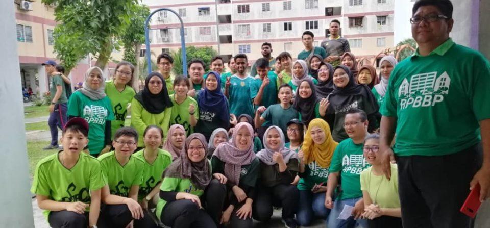Team FABU di Pelancaran Projek Rintis Program Rejuvenasi Flat Bukit Puchong 560 Puchong, Selangor.