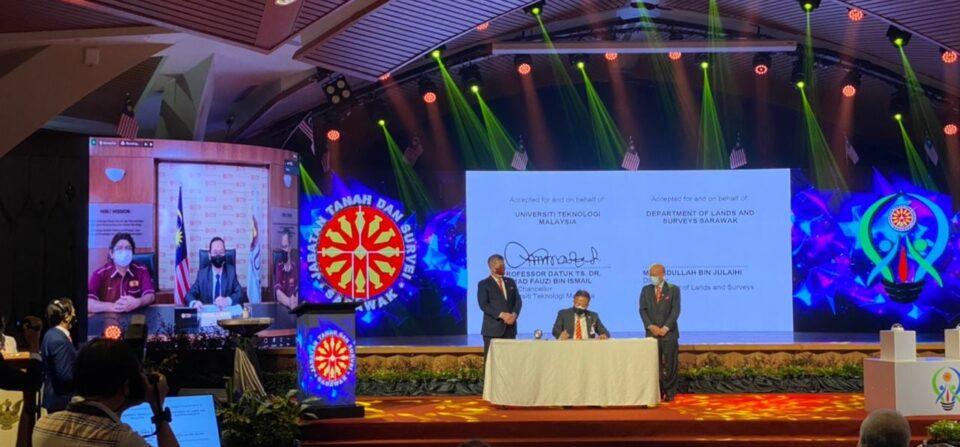 Memorandum Persefahaman (MOU) UTM bersama Jabatan Tanah dan Survei, Negeri Sarawak (JTS)