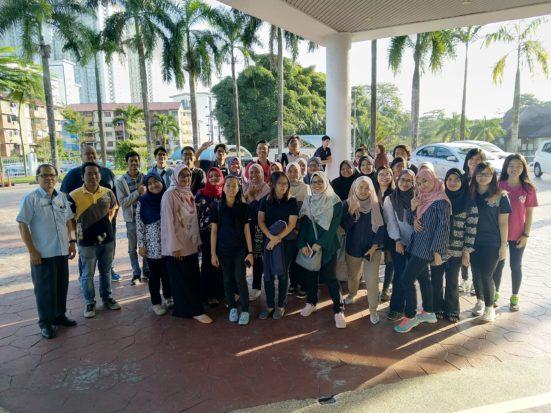 Pelajar FABU Timba Ilmu Teknologi dan Kepakaran Aplikasi GIS dari Ranhill SAJ