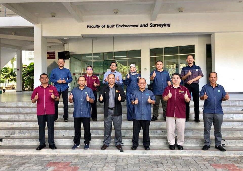 Lawatan dari Persatuan Jurukur Tanah Bertauliah Malaysia (PEJUTA) ke FABU